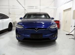 新新人类挑战世家公子 特斯拉Model X对比保时捷卡宴