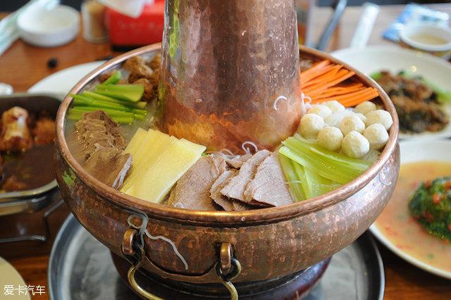 西藏火锅,和北方的火锅也没什么不同.