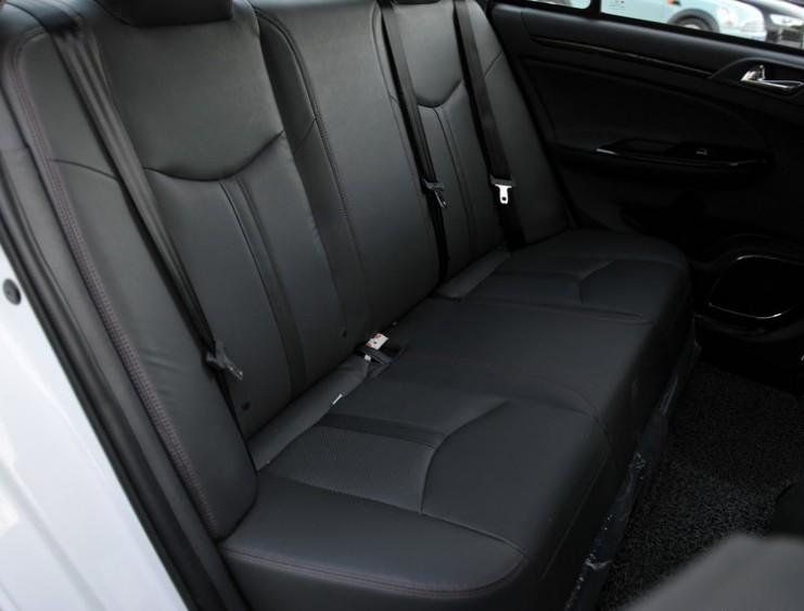 厢轿车争霸赛 比亚迪E5对比吉利帝豪EV高清图片