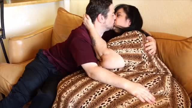 惊呆了!世上最胖女人靠与男友床上运动来减肥
