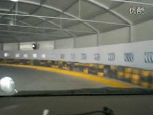 小车模拟隧道行驶