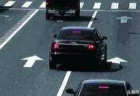 百联驾校:汽车变道是先看后视镜还是先打转向灯