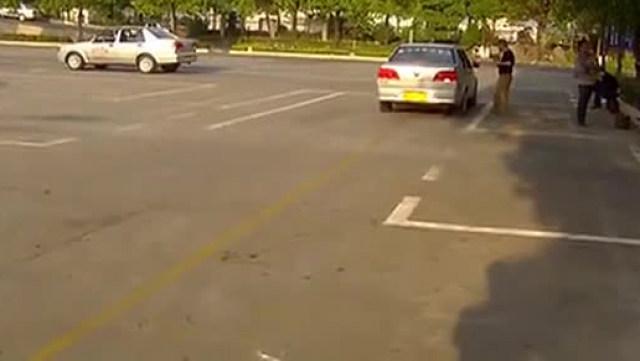 驾驶技巧:科目二侧方位停车视频详解!