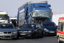 长安驾校:高速公路追尾是谁的责任