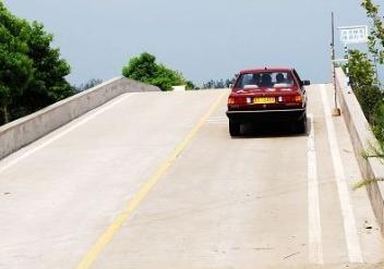 坡道起步_驾驶技巧:科目二坡道起步熄火的主要原因有哪些
