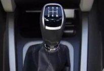 驾驶技巧:新手学车挂挡技巧解析