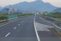 东洲驾校百科:高速路开车错过出口该怎么办