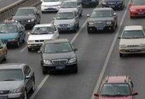 学驾心得:行驶途中如何安全并线