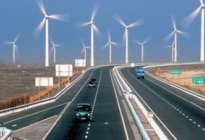 百联驾校百科:高速路上开车有哪些注意事项