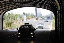 经验交流:如何在隧道内安全驾驶