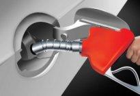 东格尔驾校:汽车还剩多少油时加油最好