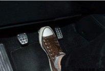 长风驾校:新手开车怎么防止误踩油门