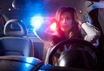 锦江驾校:开车时被远光灯晃该怎么办