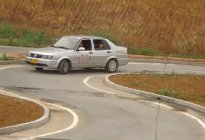 经验交流:曲线行驶通关技巧解析