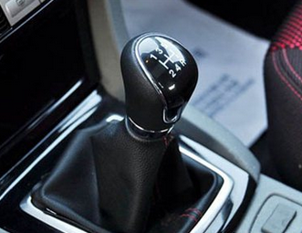 首页 驾校资讯 开手动挡车有哪些注意事项  很多新手在开车的时候都有