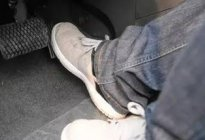学驾心得:踩油门的正确方法解析
