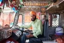 驾驶技巧:最容易考驾照的四个国家 印度几美元可拿证