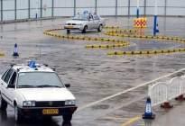 驾驶技巧:驾考科目二遇到下雨天,教练教你怎么办!