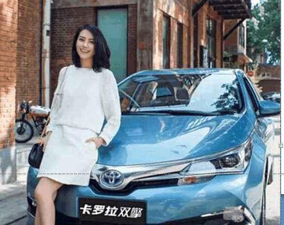 此外,高圆圆近年代言了丰田,不时有她和卡罗拉双擎的合影露出,不得不