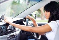 日常开车车内必备物品汇总