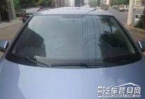 汽车贴膜是贴在玻璃里面还是外面?