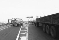 怕绕路,过往车辆逆行高速匝道