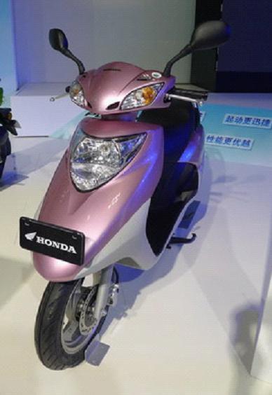 新电喷摩托车五羊本田