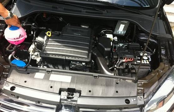 4l版本的最大功率为66kw,最大扭矩132nm. 新捷达发动机油耗