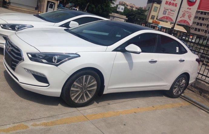 名图是北京现代在2013年推出的一款中型轿车,其定位要低于索纳塔,主要