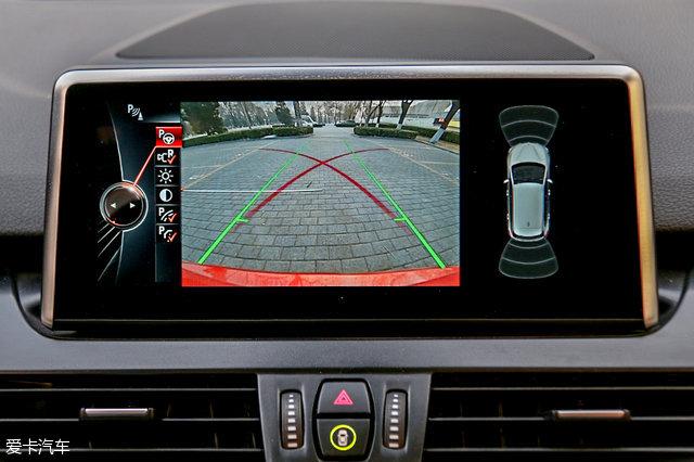 宝马2系旅行车怎么样 倒车影像功能最新实测