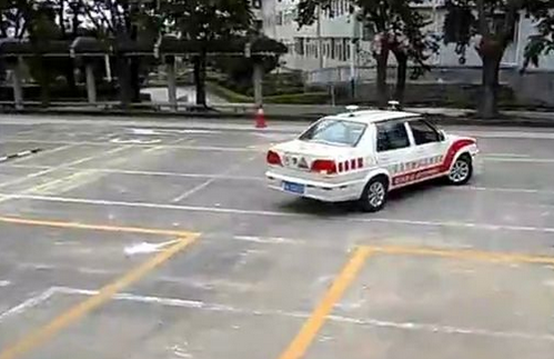 驾驶技巧:科目二倒车入库过关技巧口诀分享|平安驾校