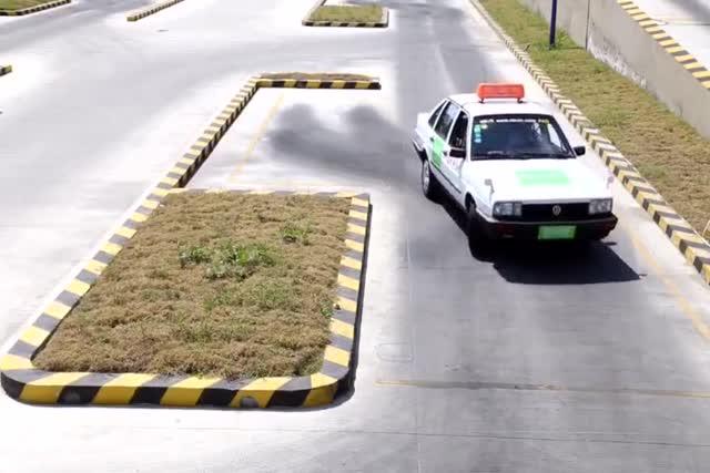 学车技巧科目二考驾照侧方位停车技巧捷达学车视频 学车技巧科目二考