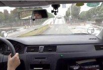 百联驾校百科:学车技巧科目二中如何控制好离合与方向