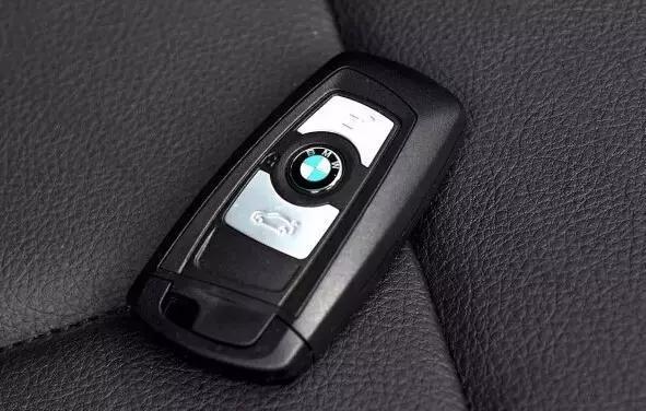 奔驰宝马奥迪,谁的车钥匙更炫?我选奔驰,你呢?