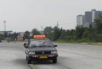 安顺驾校百科:学车技巧踩刹车和油门真的简单吗?