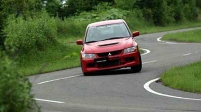学驾心得:老司机口头讲解科目二曲线行驶方法