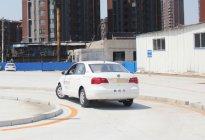 驾驶技巧:学车技巧科目二停顿两秒就算中途停车了