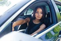 通达驾校百科:女性开车的八大误区,附安全驾驶四原则