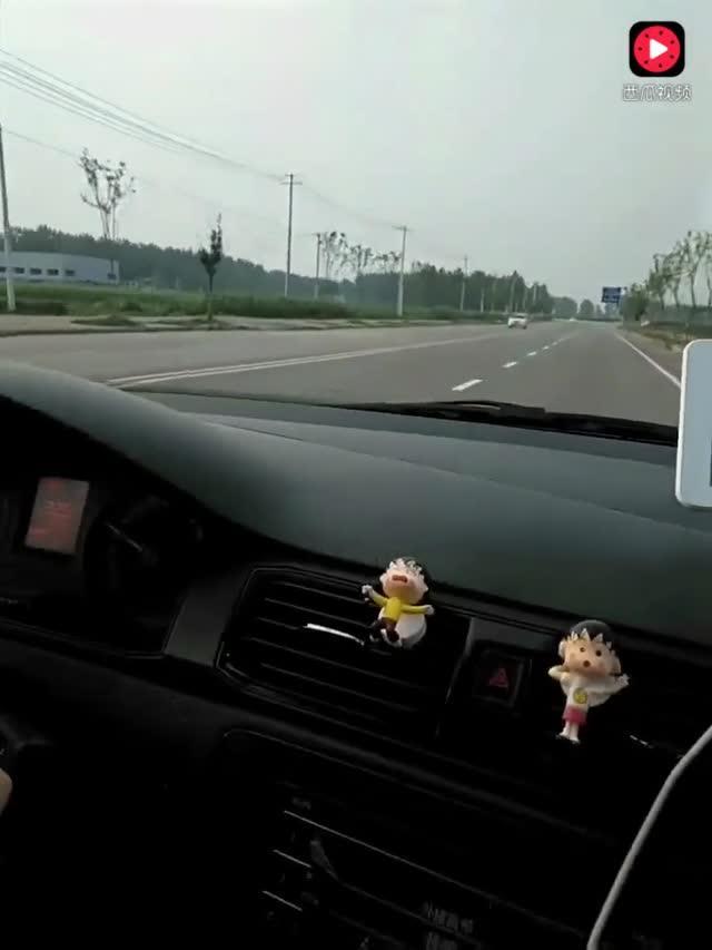 驾驶技巧:科目三:直线行驶 车速不够和微调方向盘大于15度将扣100分