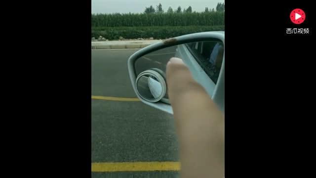 学驾心得:学车技巧:科目二侧方位停车全过程,技巧简单,用来考试超实用!