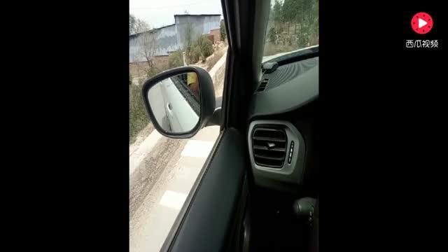 驾考科目二坡道定点停车技巧,教练详细讲解操作步骤,很实用!