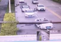再说汽车天窗鸡肋的,我这个视频甩他脸上!