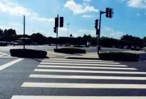 科目三考试通过路口时明明踩了刹车还是不合格,怎么回事
