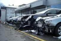女司机去4S店试车,连撞21辆奥迪,女司机却有理不赔钱?
