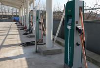 爱卡汽车实拍比亚迪纯电动新能源大巴