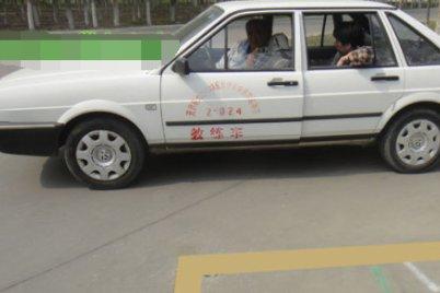 学车科目三通过路口时明明踩了刹车还是挂了,怎么回事?