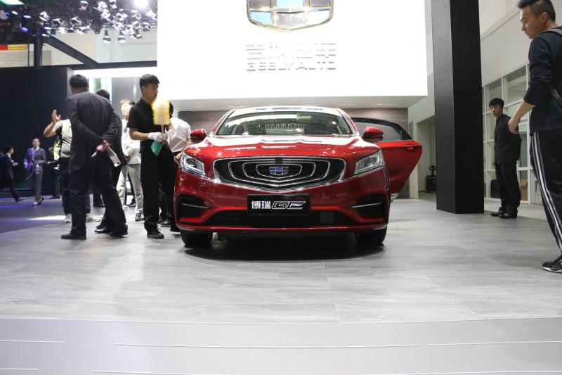 买车网首页 选车 吉利汽车 博瑞 文章 2018北京车展:吉利博瑞ge亮相