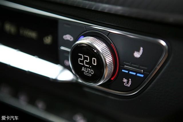 我们本次体验的奥迪q5l顶配版车型配置不低,车辆配备了三区自动空调以