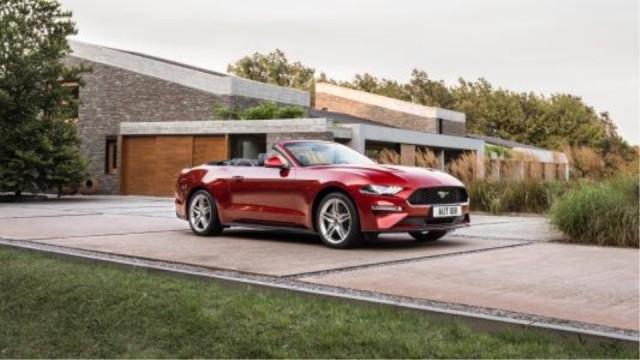 美国实拍敞篷福特Mustang,2.3T的大玩具值不值得买