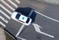 路口右转弯